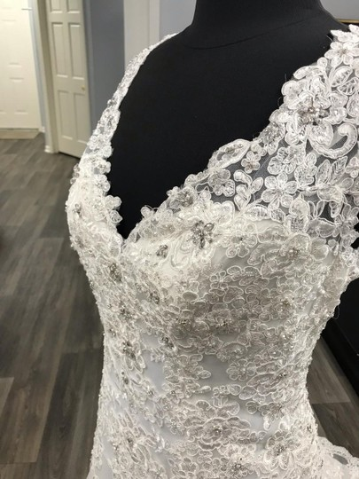 Mori Lee Ivory Traditional Wedding Dress Size 12 (L) Image 2
