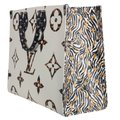 Louis Vuitton Onthego Jungle Monogram Canvas Limited Edition Shoulder Bag Image 4