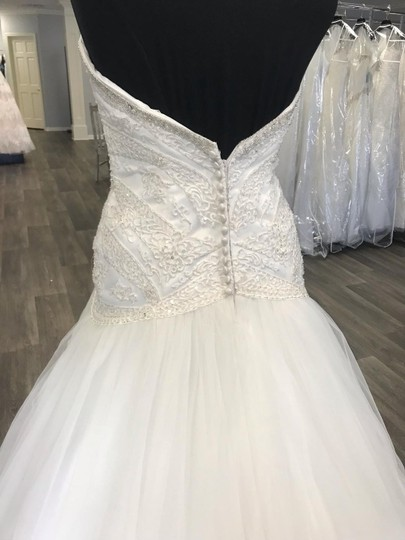 House of Wu Ivory Private Collection Traditional Wedding Dress Size 14 (L) Image 3