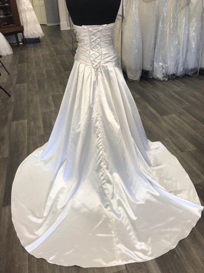 House of Wu Ivory Satin Traditional Wedding Dress Size 18 (XL, Plus 0x) Image 4