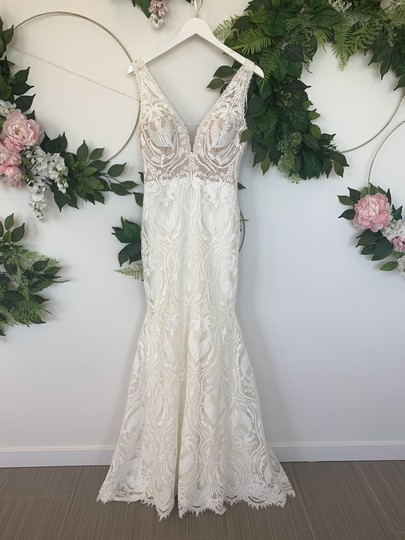 Preload https://img-static.tradesy.com/item/25821450/pronovias-off-white-and-nude-lace-tulle-magnolia-modern-wedding-dress-size-10-m-0-0-540-540.jpg