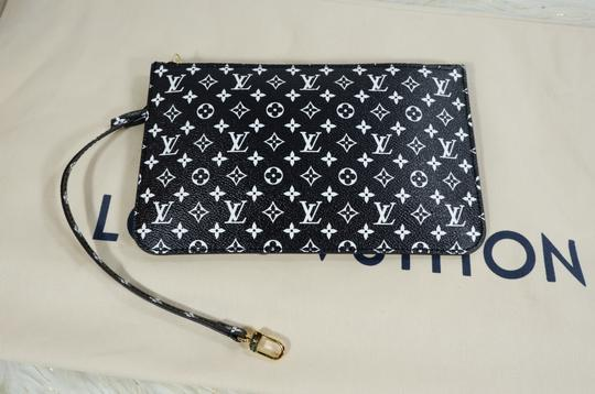 Louis Vuitton Tote in White brown Image 10