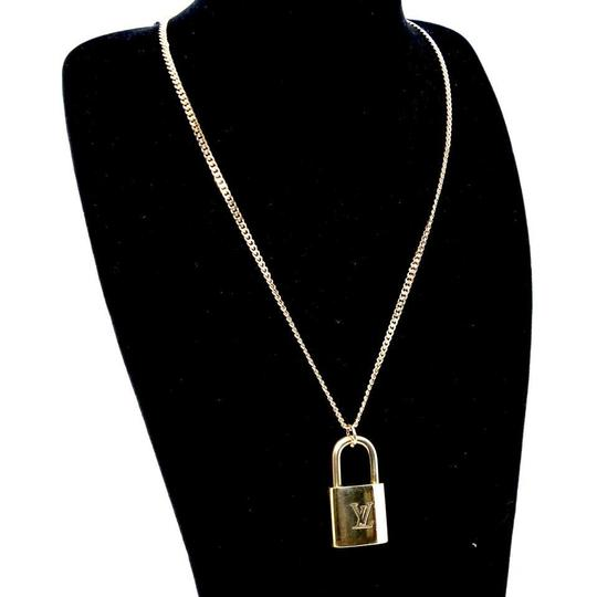 Louis Vuitton 14k Gold Plaquette Made in Italy Chain Signature Padlock and Key 22in Image 1