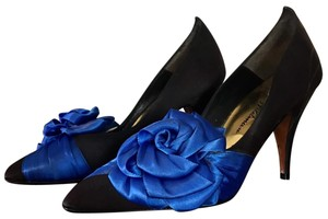 Beverly Feldman Blue Pumps