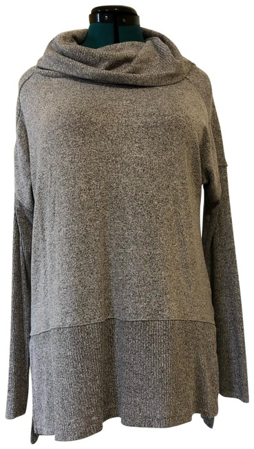 Preload https://img-static.tradesy.com/item/25822187/maurices-droopy-turtle-neck-grey-sweater-0-1-650-650.jpg