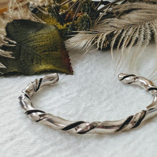Vintage Native American Vintage Native American Sterling Silver Twisted Cuff Image 4