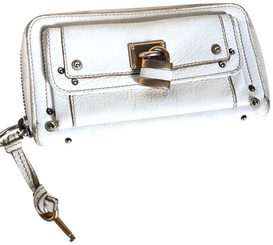 Preload https://img-static.tradesy.com/item/25822324/chloe-paddington-wallet-white-leather-clutch-0-1-540-540.jpg
