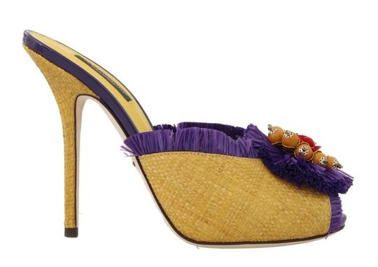 Preload https://img-static.tradesy.com/item/25822365/dolce-and-gabbana-multicolor-yellow-straw-slides-crystal-sandals-size-eu-395-approx-us-95-regular-m-0-0-540-540.jpg