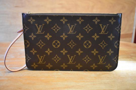 Louis Vuitton Lv Pochette Monogram Mono Yellow Interior Wristlet Image 8