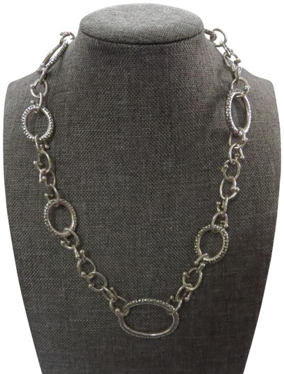 Preload https://img-static.tradesy.com/item/25822443/michael-dawkins-silver-beaded-oval-and-circular-by-pass-links-necklace-0-2-540-540.jpg