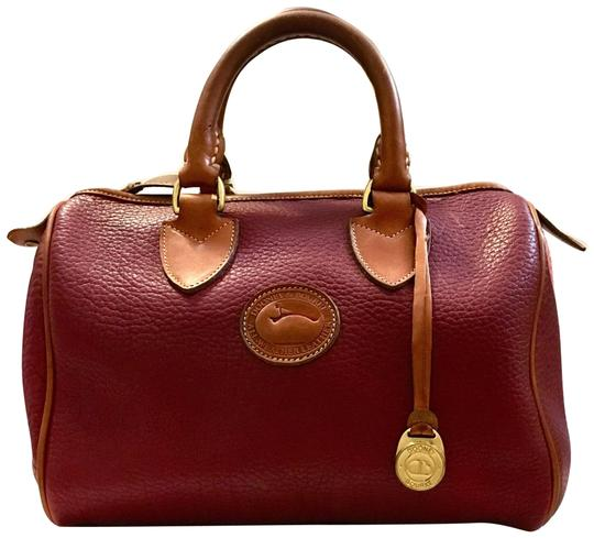 Preload https://img-static.tradesy.com/item/25822446/dooney-and-bourke-vintage-burgundy-purse-rare-red-leather-satchel-0-1-540-540.jpg