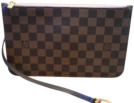 Preload https://img-static.tradesy.com/item/25822447/louis-vuitton-neverfull-damier-ebenepink-gm-pouch-new-wristlet-0-1-540-540.jpg