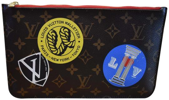 Preload https://img-static.tradesy.com/item/25822462/louis-vuitton-neverfull-limited-edition-world-tour-monogram-gm-pouch-new-wristlet-0-1-540-540.jpg