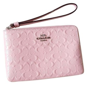 Coach COACH F58034 SIGNATURE LEATHER CORNER ZIP WRISTLET