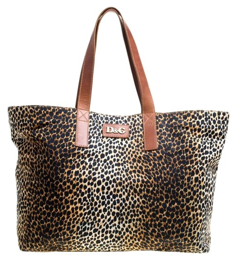 Preload https://img-static.tradesy.com/item/25823990/dolce-and-gabbana-d-and-g-leopard-print-canvas-shopper-brown-leather-tote-0-2-540-540.jpg