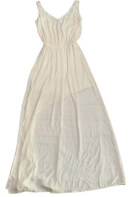 Item - White Kendall Maxi In Long Formal Dress Size 8 (M)