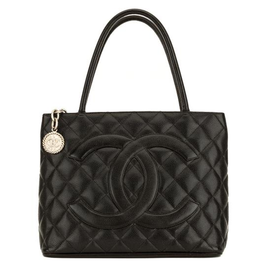 Preload https://img-static.tradesy.com/item/25824990/chanel-quilted-medallion-4078012-black-caviar-tote-0-0-540-540.jpg