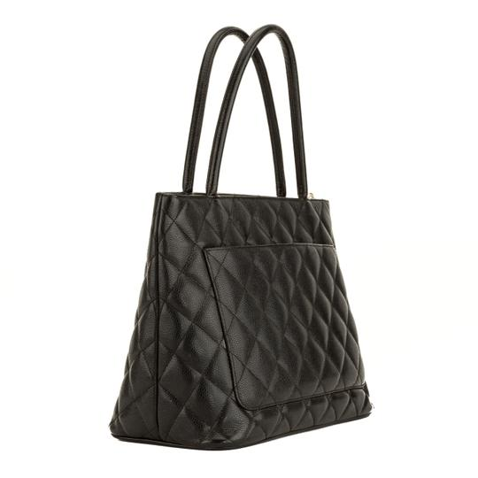 Chanel Tote in Black Image 1