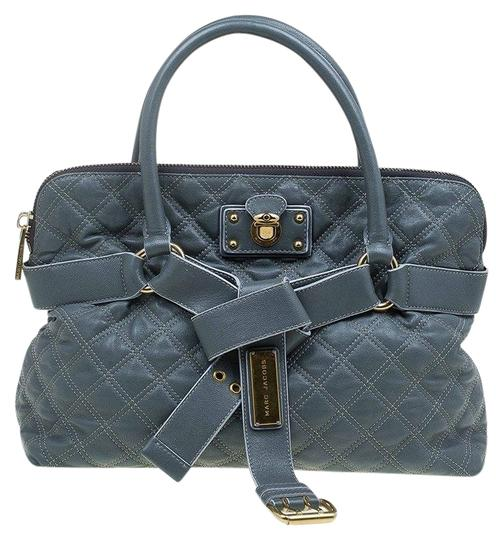 Preload https://img-static.tradesy.com/item/25825368/marc-jacobs-quilted-bruna-belted-tot-grey-leather-tote-0-1-540-540.jpg