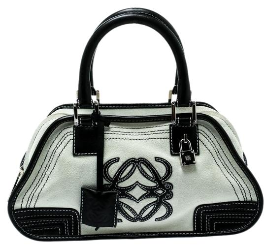 Preload https://img-static.tradesy.com/item/25825495/loewe-and-leather-amazona-36-tote-white-suede-satchel-0-1-540-540.jpg