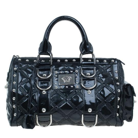 Preload https://img-static.tradesy.com/item/25825616/versace-quilted-snap-out-of-black-leather-satchel-0-0-540-540.jpg