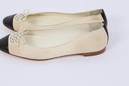 Chanel Casual White Flats Image 4