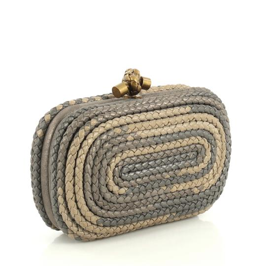 Bottega Veneta Knot neutral and gray Clutch Image 2