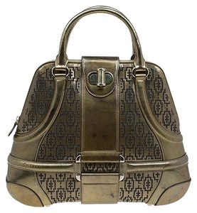 Alexander McQueen Patent Leather Fabric Satchel in Gold