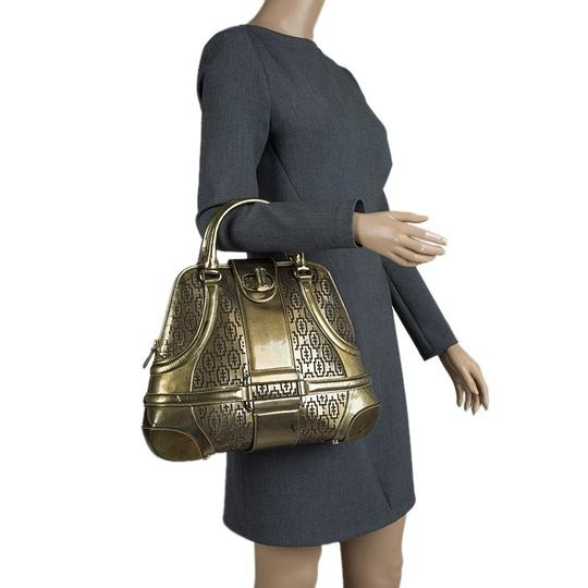 Alexander McQueen Patent Leather Fabric Satchel in Gold Image 2