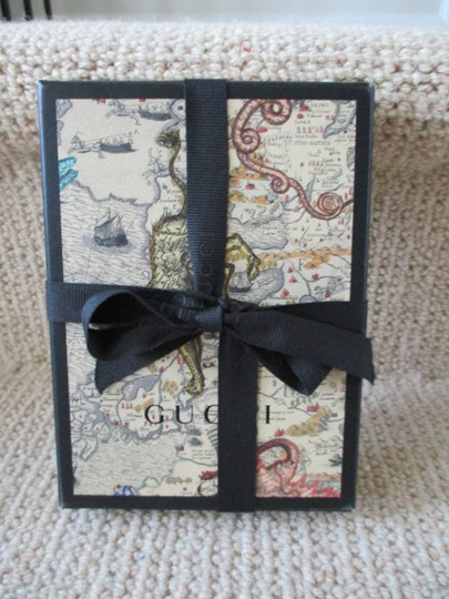 Gucci GUCCI Portable Map Print Cell Phone Charger - New in Box $399.99 Image 2