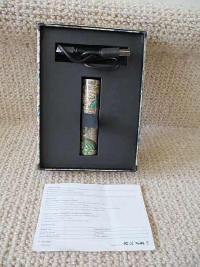 Gucci GUCCI Portable Map Print Cell Phone Charger - New in Box $399.99 Image 3