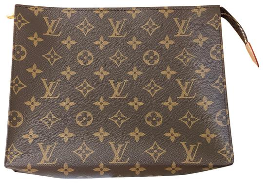 Preload https://img-static.tradesy.com/item/25827187/louis-vuitton-toiletry-pouch-2019-26-monogram-canvas-clutch-0-2-540-540.jpg