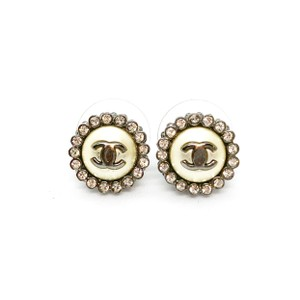 1e3e23d4 Chanel Earrings on Sale - Up to 70% off at Tradesy