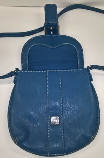 Liz Claiborne Cross Body Bag Image 4