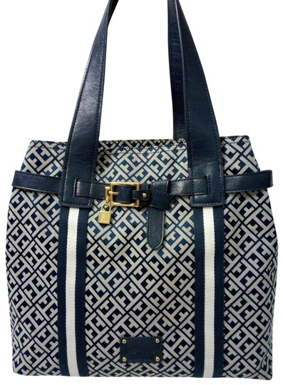 Preload https://img-static.tradesy.com/item/25829949/tommy-hilfiger-bag-large-signature-blue-white-canvas-faux-leather-tote-0-1-540-540.jpg