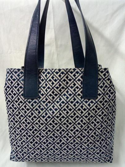 Tommy Hilfiger Tote in Blue, white Image 3