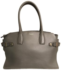 Henri Bendel Bags On Up To 70
