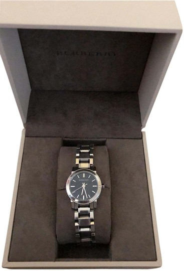 Preload https://img-static.tradesy.com/item/25830641/burberry-silver-watch-0-1-540-540.jpg