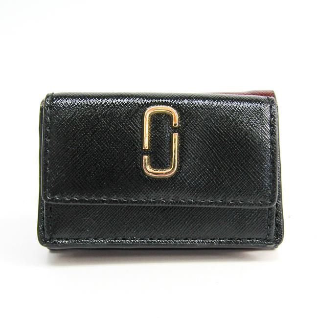 Item - Black / Bordeaux / Red Snapshot Trifold M0013597 Embossed Calf Leather (Tri-fold) Wallet