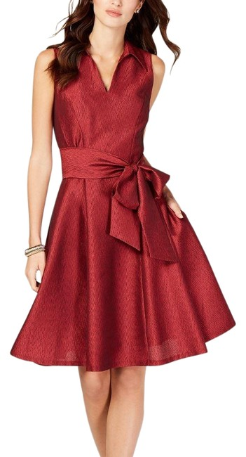 Item - Red Sleeveless Fit and Flare Mid-length Cocktail Dress Size Petite 12 (L)