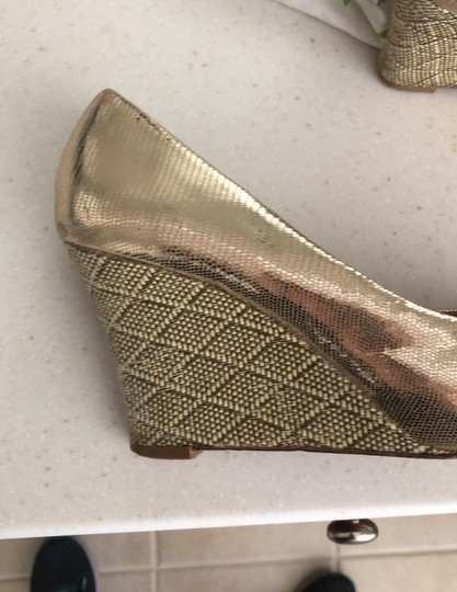 Lilly Pulitzer gold Wedges Image 1