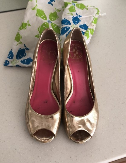 Lilly Pulitzer gold Wedges Image 3