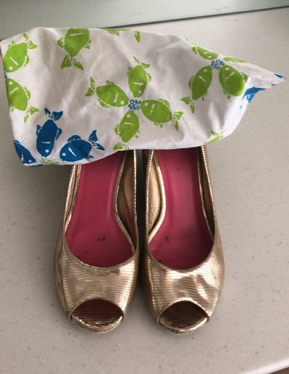 Lilly Pulitzer gold Wedges Image 4