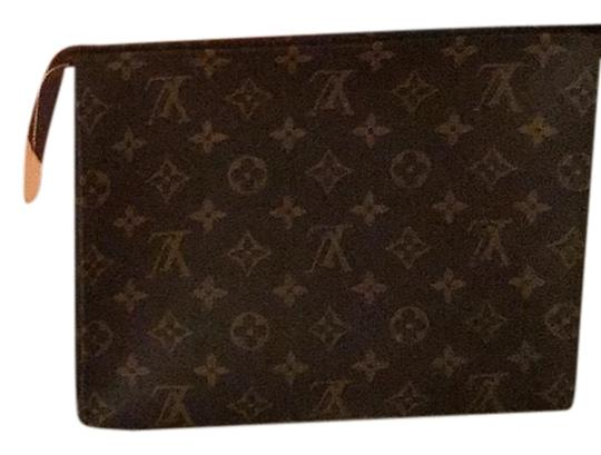 Preload https://img-static.tradesy.com/item/25833281/louis-vuitton-toiletry-pouch-26-monogram-leather-clutch-0-3-540-540.jpg