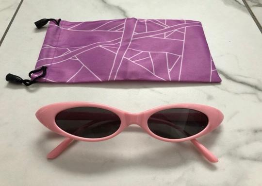 Unbranded pink sunglasses/ small tiny narrow sunglasses/ summer festival trends/ baby pink sunnies/ pink shades Image 6