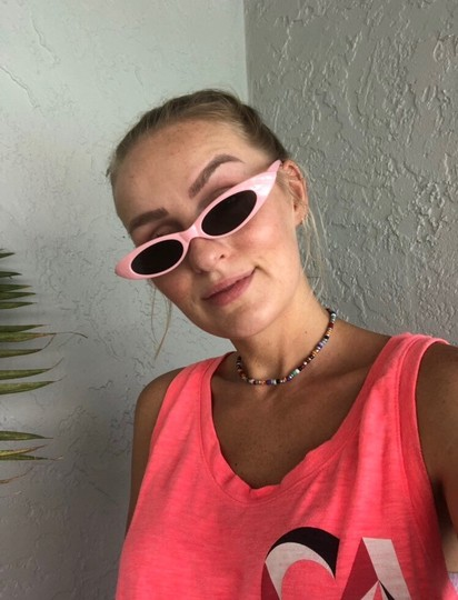 Unbranded pink sunglasses/ small tiny narrow sunglasses/ summer festival trends/ baby pink sunnies/ pink shades Image 8