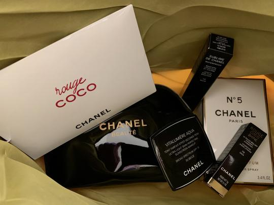 Chanel Beaute Brand New Tote/Chanel No. 5-FULL SIZE BOTTLE-And Other Beauty Products Image 2