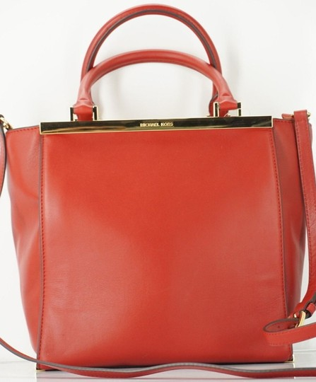 Michael Kors Logo Plaque Small Tote in Red Image 3