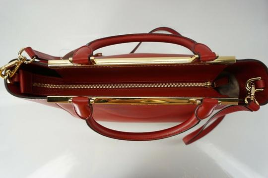 Michael Kors Logo Plaque Small Tote in Red Image 7
