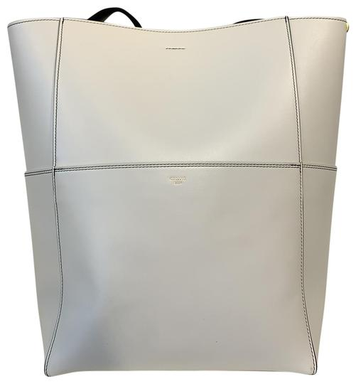 Preload https://img-static.tradesy.com/item/25833932/celine-bucket-with-short-strap-white-black-gold-leather-tote-0-1-540-540.jpg